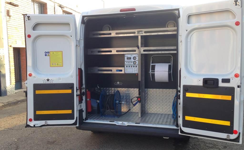 Hidrolimpiadoras de alta presión modelos AG URVAN 240 y 215 HD