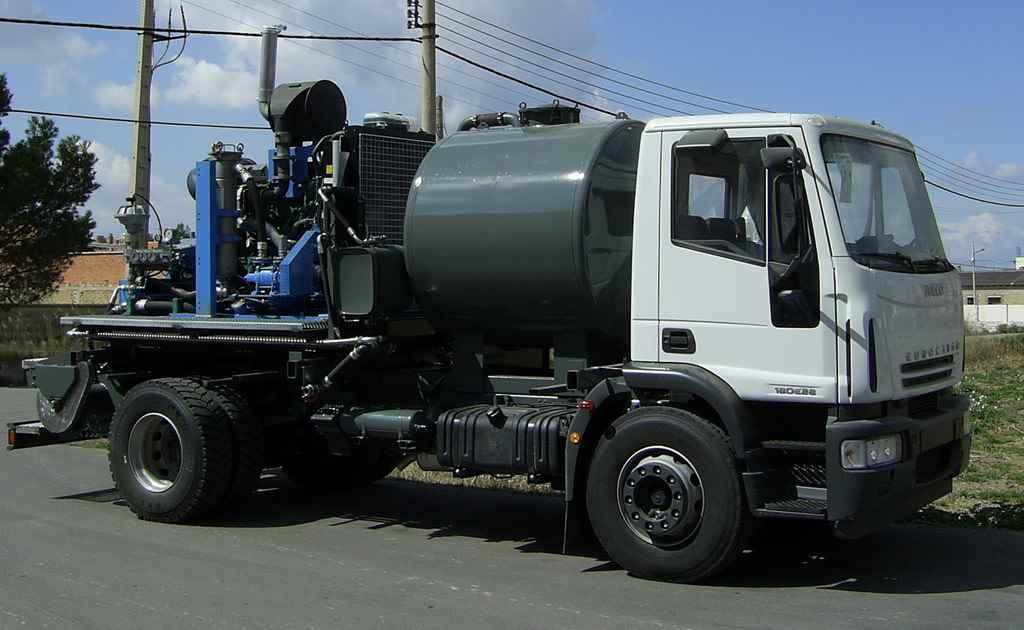 Vehículo cisterna de alta y máxima presión